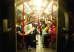 20050708_commuters_liverpool_street