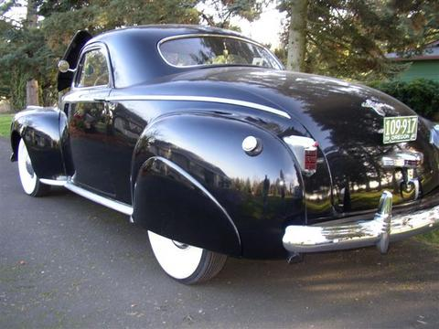 1941_buick_back