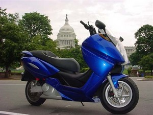 Blue_scooter_capitollrg